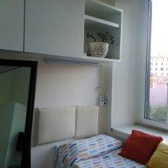 Отель Sunny flat in elegant building close to Colosseum Рим комната для гостей фото 2