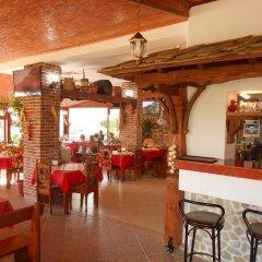 Апартаменты Tomi Family Apartments Солнечный берег гостиничный бар