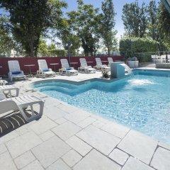 Hotel Bikini бассейн фото 2