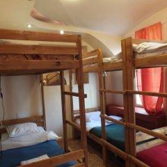 Гостиница Breaking Bed Кровать в общем номере с двухъярусной кроватью