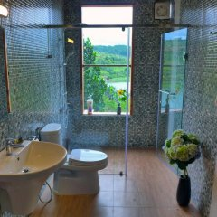 Отель Zen Cafe Lakeside Далат ванная