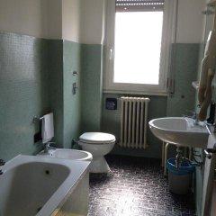 Отель York 2* Стандартный номер с двуспальной кроватью (общая ванная комната) фото 4