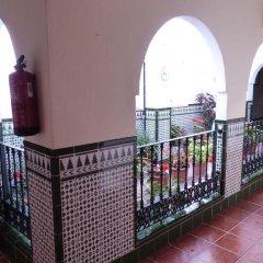 Отель Hostal San Juan Стандартный номер с различными типами кроватей фото 5