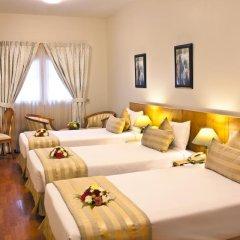 Landmark Plaza Hotel 3* Стандартный номер с различными типами кроватей фото 3