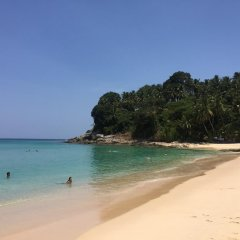 Отель Novotel Phuket Surin Beach Resort пляж