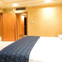 Victoria Crown Plaza Hotel 4* Представительский люкс