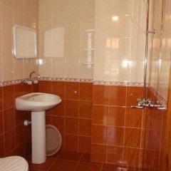 Отель Guest House Cherno More Болгария, Поморие - отзывы, цены и фото номеров - забронировать отель Guest House Cherno More онлайн ванная