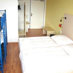 Отель a&o Prag Metro Strizkov 3* Стандартный семейный номер с двуспальной кроватью фото 4