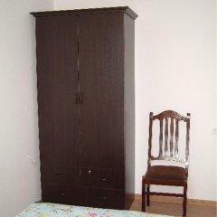 Апартаменты Nugzari's Apartments Тбилиси сейф в номере