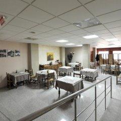 Отель Hostal la Carrasca питание