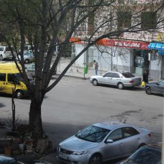 Отель Qeroli Appartment in the center in Avlabari парковка