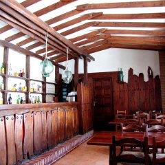 Отель Hostal Ayestaran II гостиничный бар