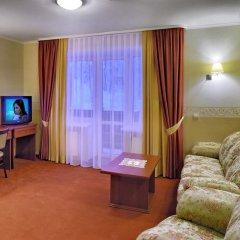 Гостиница Украина 3* Апартаменты с двуспальной кроватью фото 10