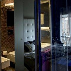 Отель Torre Argentina Relais - Residenze di Charme 3* Стандартный семейный номер с двуспальной кроватью фото 8