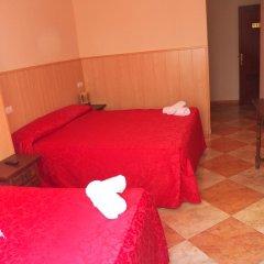 Отель Hostal San Roque комната для гостей фото 3