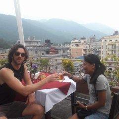 Отель Center Lake Непал, Покхара - отзывы, цены и фото номеров - забронировать отель Center Lake онлайн питание