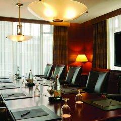 Отель Hilton Suites Chicago/Magnificent Mile комната для гостей фото 13