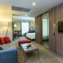 Отель Novotel Bangkok On Siam Square 4* Улучшенный номер с различными типами кроватей фото 6