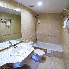 Отель Hostal Boqueria Стандартный номер с различными типами кроватей фото 2