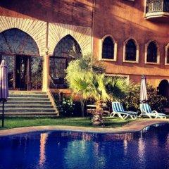 Отель Le Temple Des Arts Марокко, Уарзазат - отзывы, цены и фото номеров - забронировать отель Le Temple Des Arts онлайн бассейн