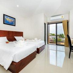 Отель The Topaz Residence 3* Улучшенный номер с 2 отдельными кроватями фото 5