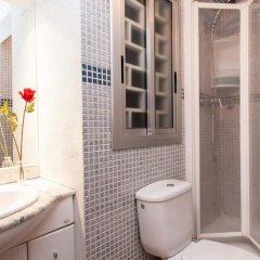 Отель Rustic Poble Sec Apartment Испания, Барселона - отзывы, цены и фото номеров - забронировать отель Rustic Poble Sec Apartment онлайн ванная