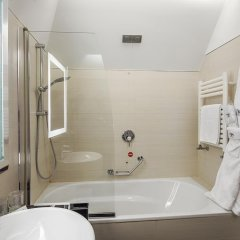 Отель NH Milano Touring 4* Улучшенный номер разные типы кроватей фото 3
