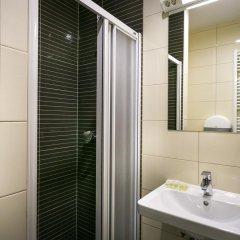 Hostel Moving Стандартный номер с различными типами кроватей фото 3