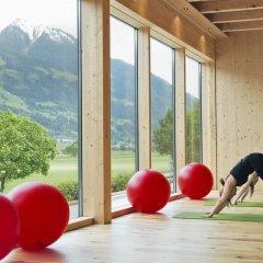 Отель Hells Ferienresort Zillertal Австрия, Фюген - отзывы, цены и фото номеров - забронировать отель Hells Ferienresort Zillertal онлайн фитнесс-зал фото 2