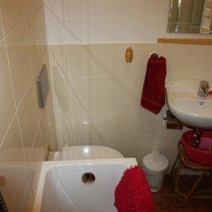 Отель Guest House Accueil chez BH Чехия, Прага - отзывы, цены и фото номеров - забронировать отель Guest House Accueil chez BH онлайн ванная