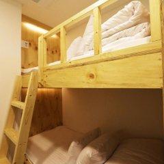 Отель STEP INN Myeongdong 1 3* Стандартный номер с двухъярусной кроватью фото 4