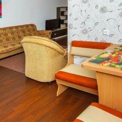 Апартаменты Petal Lotus Apartments on Tsiolkovskogo комната для гостей фото 3