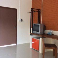 Отель Srisuksant Urban 3* Улучшенный номер с различными типами кроватей фото 8