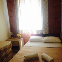Momos Hostel Стандартный номер с двуспальной кроватью (общая ванная комната) фото 6