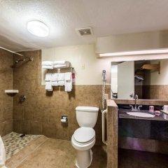 Отель Econo Lodge Кингсвилль ванная