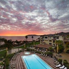 Отель Dolphin Bay Resort and Spa бассейн фото 3