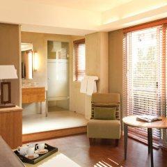 Отель Hollow on the Sqare 4* Стандартный номер с двуспальной кроватью фото 4