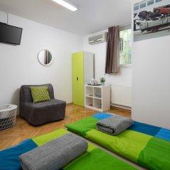 Hostel Bureau Номер Делюкс с различными типами кроватей фото 5