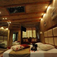 Carol Hotel 2* Люкс с разными типами кроватей фото 32