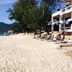 Отель Koh Tao Montra Resort Таиланд, Мэй-Хаад-Бэй - отзывы, цены и фото номеров - забронировать отель Koh Tao Montra Resort онлайн пляж