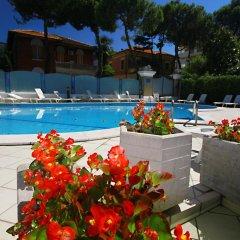 Отель Residence Brown Римини бассейн фото 2