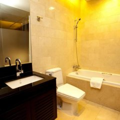 Отель Pietra Ratchadapisek Bangkok Таиланд, Бангкок - отзывы, цены и фото номеров - забронировать отель Pietra Ratchadapisek Bangkok онлайн ванная фото 2