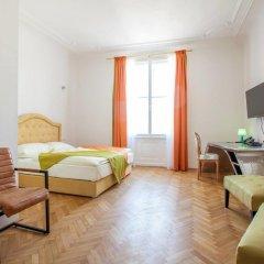 Hotel Pension Museum 3* Стандартный номер с двуспальной кроватью фото 8