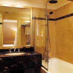 Отель Room Mate Alain 4* Улучшенный номер с различными типами кроватей фото 16