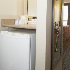 Отель Colonial Square Inn & Suites 2* Стандартный номер разные типы кроватей