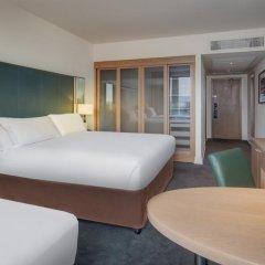 Отель Hilton Dublin Kilmainham 4* Стандартный семейный номер с различными типами кроватей фото 4