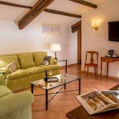Отель Albergo Del Sole Al Biscione 3* Номер категории Эконом с различными типами кроватей