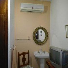 Отель Pensión Javier 2* Стандартный номер с различными типами кроватей (общая ванная комната)