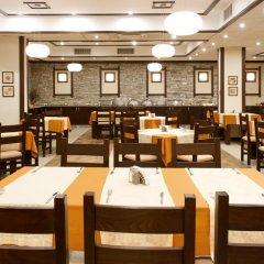 Отель St. Ivan Rilski Hotel & Apartments Болгария, Банско - отзывы, цены и фото номеров - забронировать отель St. Ivan Rilski Hotel & Apartments онлайн питание фото 3