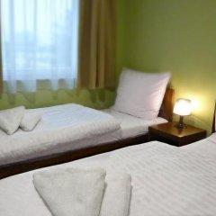 Отель Kompleks Hotelarski Zgoda Стандартный номер с различными типами кроватей (общая ванная комната) фото 4